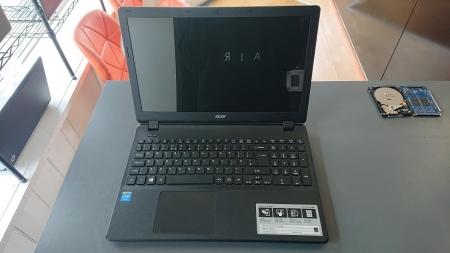 Acer ES1-512 open